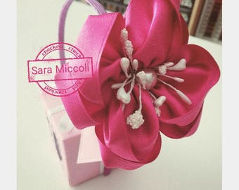 Pearl headband with satin flower