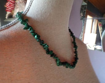 Malachite chips beaded necklace