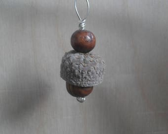 Beautiful natural earring with wooden beads and silver ear