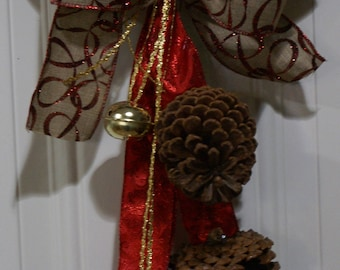 Door Knocker, Holiday Decoration, Pinecone Decoration, Christmas