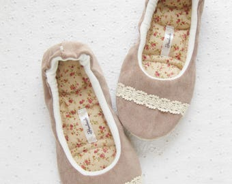 Womens Slippers, Ladies Slippers, Rustic style , Boho style, Custom Slippers, Handmade Slippers, House shoes, Spa Slippers, Slippers