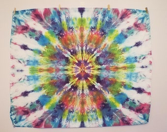 "Tie Dye Tapestry -Mandala Wall Hanging- 39"" x 32"" - ""Ice Feathers"""