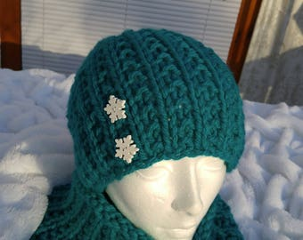 turquoise slouchy neck warmer and hat