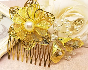 Gold flower hair comb, calla lily comb, wedding hair piece, gold calla headpiece, pearl hair comb, gold headpiece, gold hair accessory