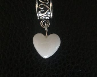 Breastmilk heart bead