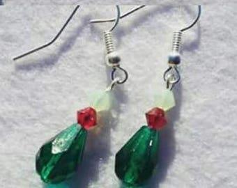 Green Teardrop earrings, green earrings, red earrings, fashion earrings, stylish earrings, original earrings, fashion woman