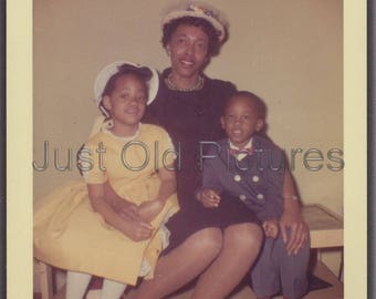 Pretty African American Lady with Kids Sunday/Easter  old vintage photo/snapshot/photograph-e63