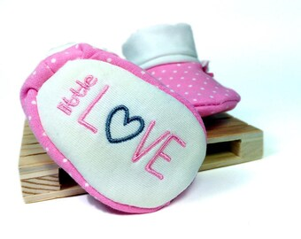 Custom Embroidered Baby Shoes|Baby Booties|Baby Slippers|Embroidery|Baby Girl|Baby Shower Gift Baby Girl|Pink Baby Booties|Pregnancy Photos