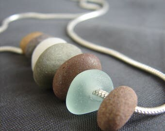 Beach pebble necklace / beach stone jewelry /  sterling silver organic jewellery / natural sea glass / earth tones necklace / beachy jewelry