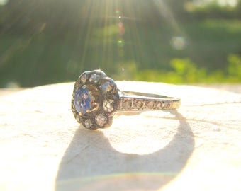 Antique to Art Deco Diamond Sapphire Halo Daisy Ring, Sparkly Old Cut Diamonds and Cornflower Blue Sapphire, Rustic Beauty