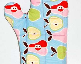 handmade quilted oven mitt apple pear retro