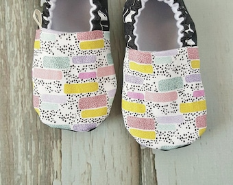 Abstract Stripes Baby Shoes / Baby Moccasins / Baby Moccs / Vegan Moccs / Vegan Moccasins / Soft Soled Shoes / Waldorf / Montessori / Tribal