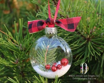 Woodland Glass Disk Ornament, Glitter Berry, Black Red Plaid Ribbon, Sealed, Preserved, Christmas Holiday Tree Decor
