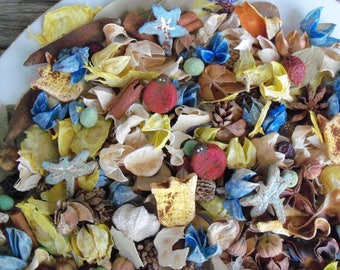 Country Cottage Garden Potpourri, Country Potpourri, Spring Potpourri, Summer Potpourri, Saltdough, Ladybug, Flower, Refresher Oil Included