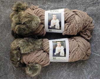 Yarn Destash, Bulky Yarn, Fur Pom Pom, Yarn Sale, Taupe Yarn, Super Bulky Yarn, Polyester Yarn, Yarn for Sale Yarn, Destash Yarn, Vegan Yarn