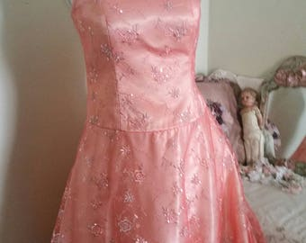 vintage prom dress, 90s does 50s, flattering peach colour, floral embroidery, pretty sequins, formal dress