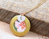 Flower Locket Necklace, Floral Jewelry, Personalized Mother's Day Gift, Vintage Wallpaper Locket, Gold Locket