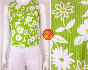 Super Cute Vintage 90s Iconic Mod Green & White Flower Power Top and Shorts Set by Wildflowers
