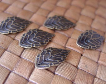 20 pcs 17.5x10 mm Antiqued Brass Plated Brass Leaf Charms