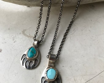 Bear Claw Pendant, Turquoise Necklace, Sterling Silver Necklace, Turquoise Pendant, Zuni Jewelry, Navajo Jewelry, 70s Jewelry, Southwest