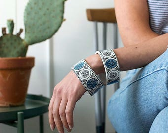 StayGoldMaryRose - Beautiful blue 70's pattern china stacking bangle.