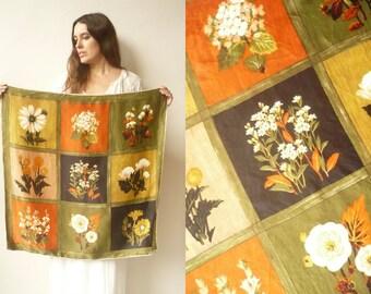 1970's Vintage Wildflowers Floral Printed Silky Square Scarf