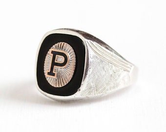 Vintage Sterling Silver Letter P Black Onyx Signet Ring - Retro Men's 1960s Size 10 Enamel Initial Monogram Gem Statement Classic Jewelry