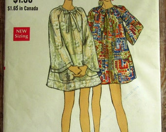 Vintage 1970s Misses One-Piece Cover-Up with Drawstring Neckline and Patch Pockets Size 10 Vogue Pattern 7603