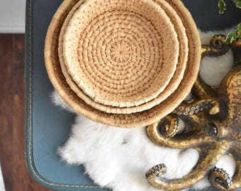 fabulous set of 3 nesting woven straw wall baskets