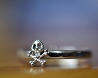 Tiny Skull Ring, Skull & Crossbones Ring, Sterling Silver Pirate Charm Ring, Above Knuckle Midi Ring, Custom Engraved Jolly Roger Jewelry