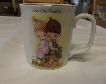 Vintage MUG - Precious Moments - Love One Another