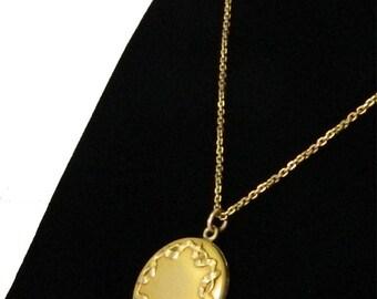 Antique Victorian Art Nouveau Locket Pendant Necklace