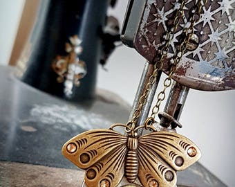 Vintage Pocket Watch Pendant - Butterfly Bliss - Steampunk Inspred Timeless Relic