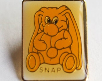 "Vintage Kodak Kolorkins ""Snap"" Bunny Enamel Pin Yellow White Gold . 1989"