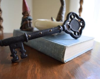 Vintage Cast Iron Skeleton Key Holder / Rack - French Farmhouse, Victorian, Eclectic