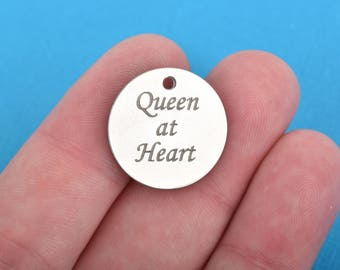 "QUEEN AT HEART Charms, Silver Stainless Steel Quote Charms, 20mm (3/4""), choose quantity, cls0125"