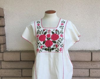 Vintage Mexican Blouse Embroidered Gauze Hippie Shirt Tunic Caftan Top Size Medium