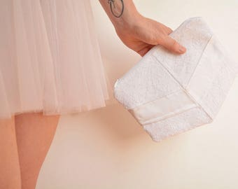 White lace bridal clutch bag