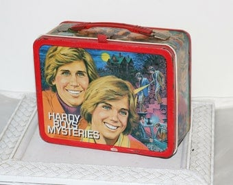 Metal Lunch Box Vintage Hardy Boys Mysteries 1977 Thermos Lunch Box with 70's Teen Idols Shaun Cassidy & Parker Stevenson