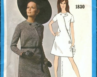 Mod Vintage 1960s Vogue Americana 1830 Designer Bill Blass Asymmetrical Seam Interest A Line Dress Sewing Pattern B32