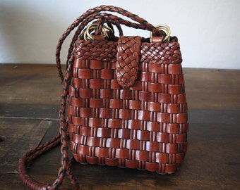 Vintage Woven Leather Cross body Bag Leather Tote / Weaved Leather Bucket Bag / Braided Leather Shoulder bag / Brown Leather bucket bag
