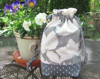 Project bag for knitting or crochet, Gray Floral drawstring tote, reusable cotton bag, Knitter's gift or Yarn bowl
