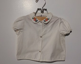 Vintage adorable 2T embroidered collard button up woven