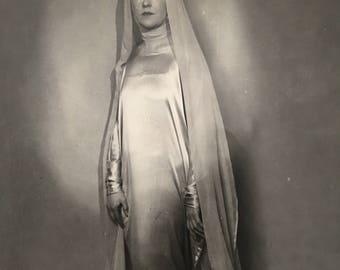 Art Deco Vintage Photo Beautiful Bride Madonna Arty Antique Photograph