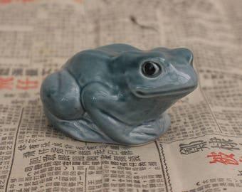 Vintage Poole Pottery Green Glazed Frog Ornament