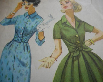 Vintage 1960's Simplicity 3034 Dress Sewing Pattern Size 10 Bust 31