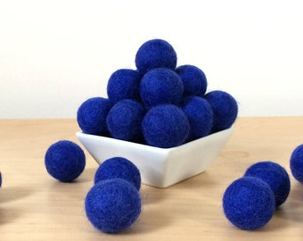 how to make felted wool pom poms
