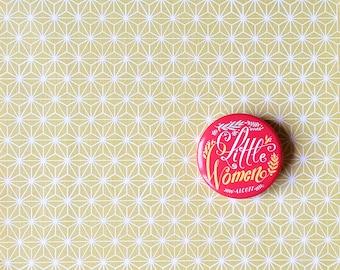 Spilla illustrata dedicata a Piccole Donne, pin