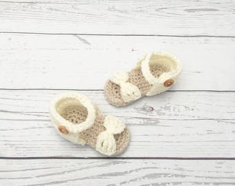 cream baby crochet sandals, baby girl crochet shoes,  crochet bow sandals, baby girl summer shoes, new baby gift, baby photo prop
