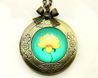 Necklace locket Lotus 2020m